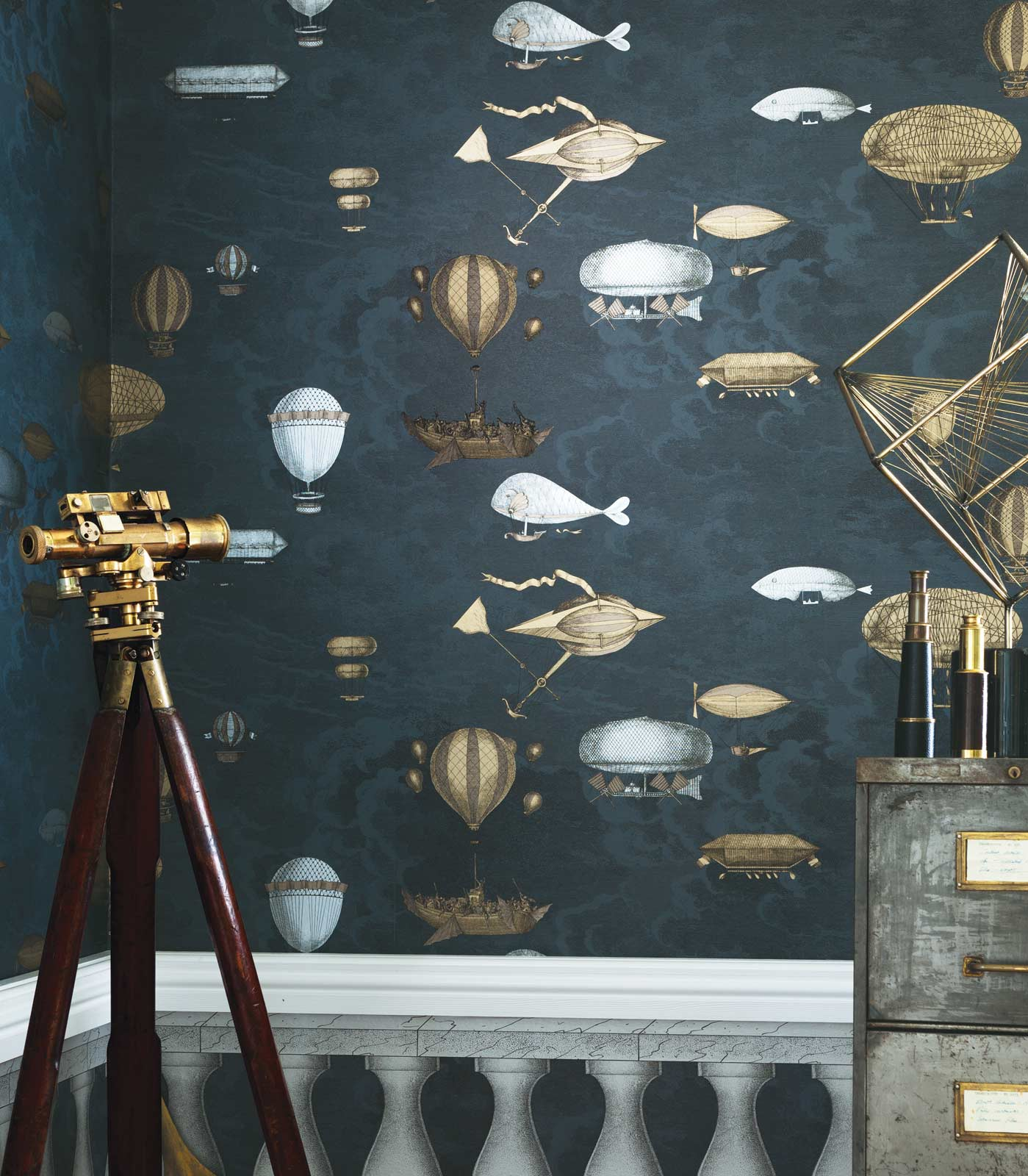 Cole & Son - Macchine Volanti Wallpaper